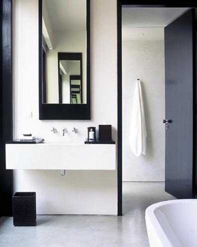 blk white bath 1