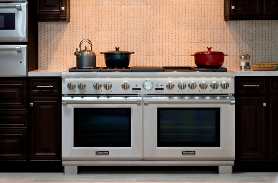 thermador-60-inch-range-with-side-by-side-convection-ovens